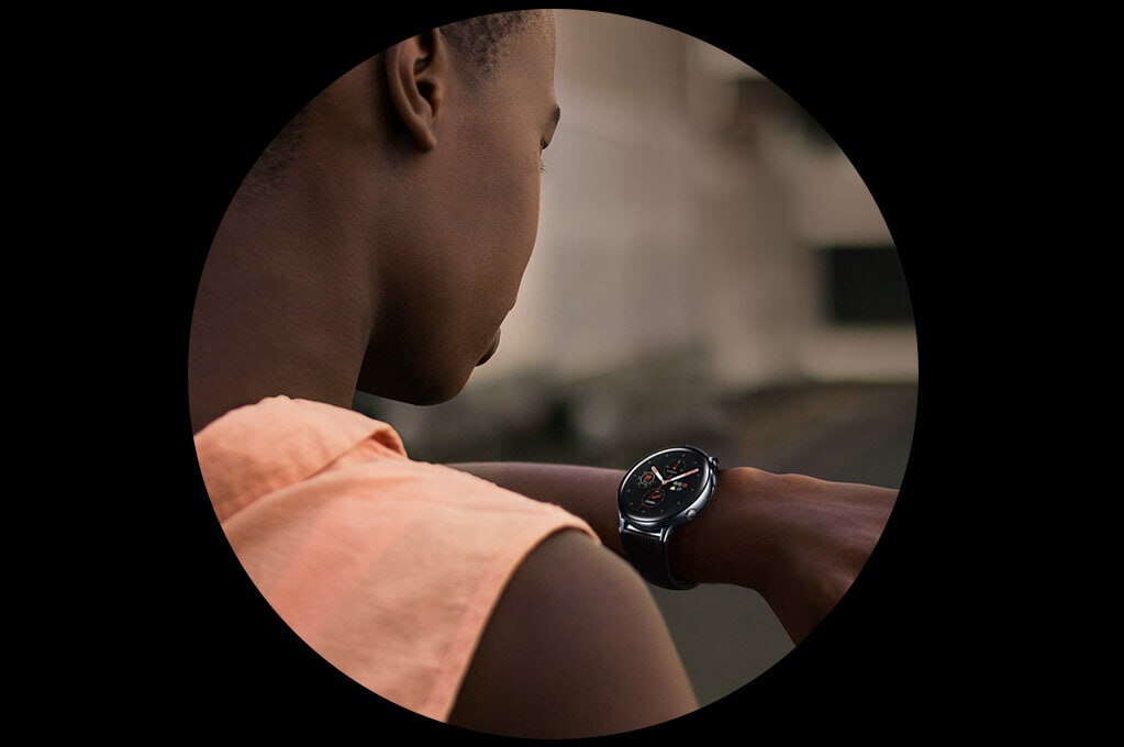 galaxy-watch lifesaatyle hands-free visual